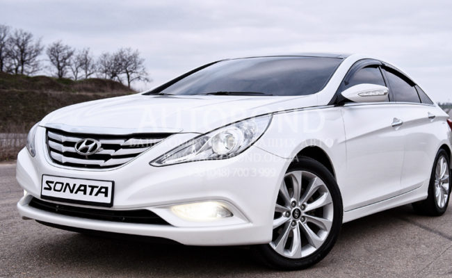 Hyundai_Sonata_2013_white_28