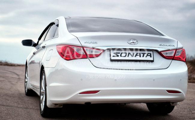 Hyundai_Sonata_2013_white_30
