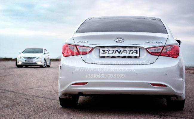 Hyundai_Sonata_2013_white_31