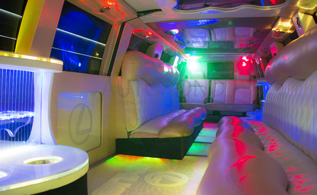 Lexus_limo_white_106