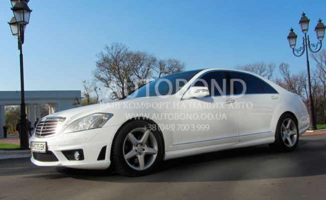 Mercedes_Benz_221_white_our_28