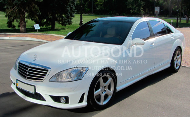Mercedes_Benz_221_white_our_3