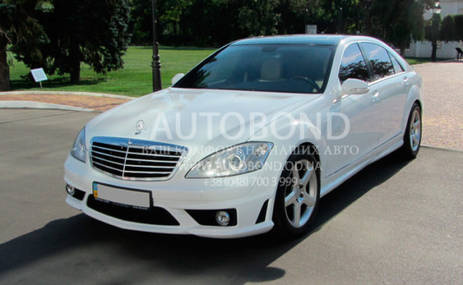 Mercedes_Benz_221_white_our_5