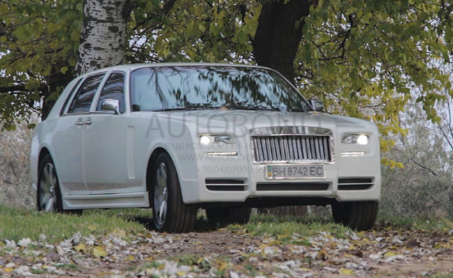 Rolls-Royce_Ghost_2014_sample_4