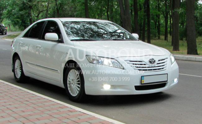Toyota_Camry_white_3-1