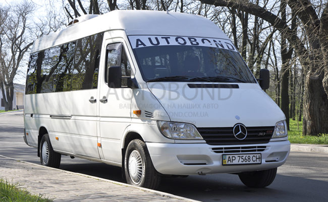 mercedes_benz_Sprinter_18_white_2