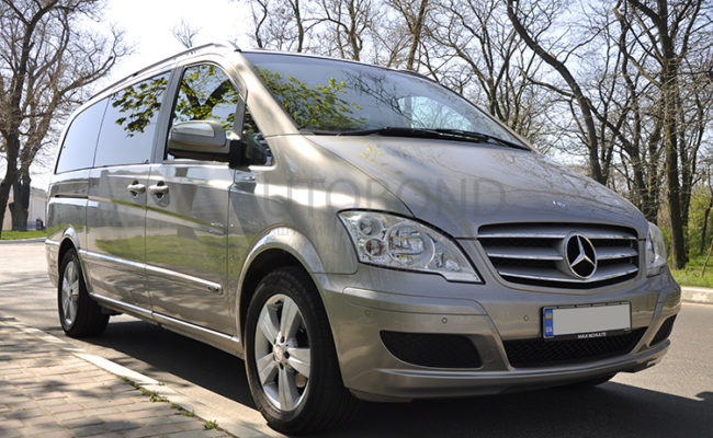 mercedes_benz_Viano_2010_1_gold_2