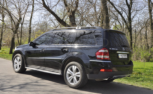 mercedes_benz_gl_black_4