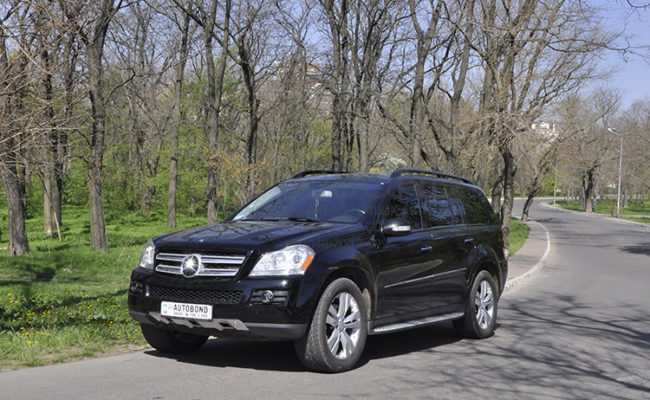 mercedes_benz_gl_black_5