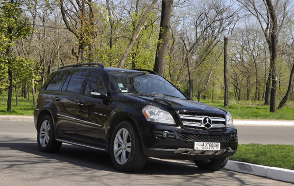 MERCEDES-BENZ GL black