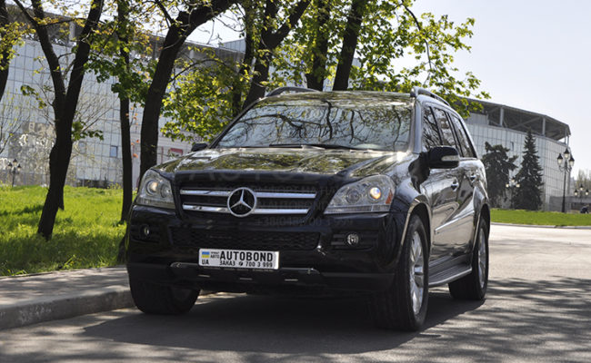 mercedes_benz_gl_black_8