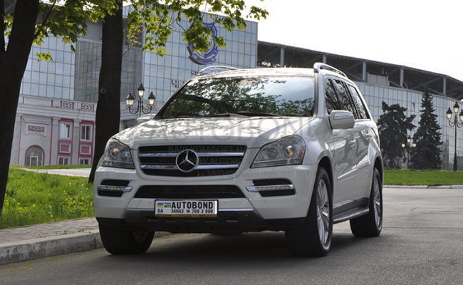 mercedes_benz_gl_white_12