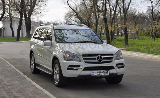 mercedes_benz_gl_white_13