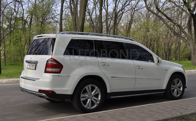 mercedes_benz_gl_white_14