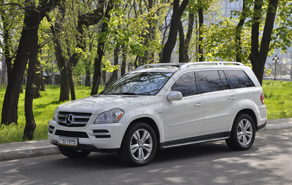 mercedes_benz_gl_white_17