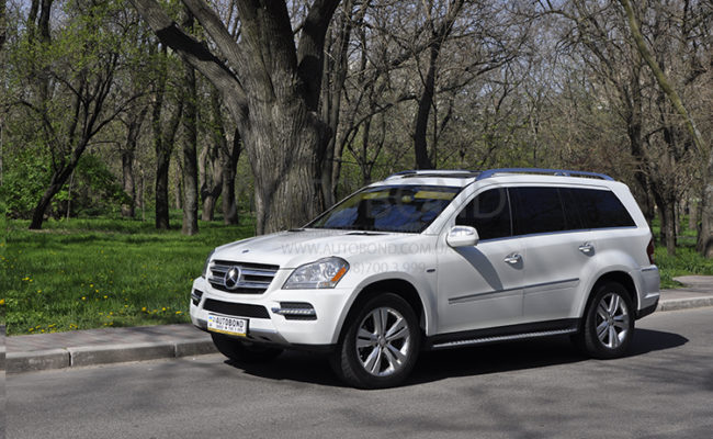 mercedes_benz_gl_white_23
