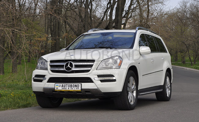 mercedes_benz_gl_white_3