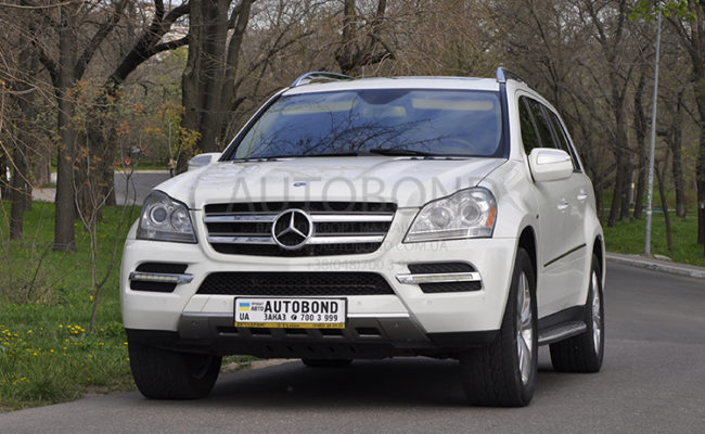 mercedes_benz_gl_white_4