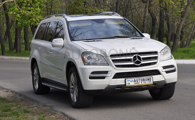 mercedes_benz_gl_white_5