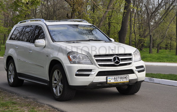 MERCEDES-BENZ GL white
