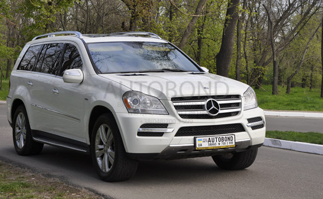 mercedes_benz_gl_white_7