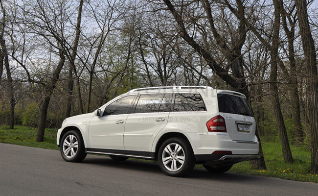 mercedes_benz_gl_white_9