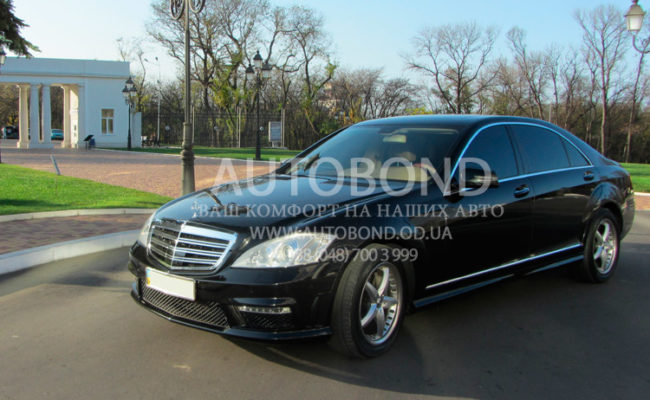 Mercedes_Benz_221_black_8