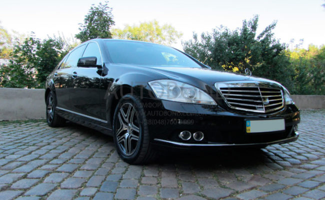 Mercedes_Benz_221_black_0095_10