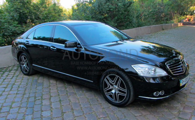 Mercedes_Benz_221_black_0095_2