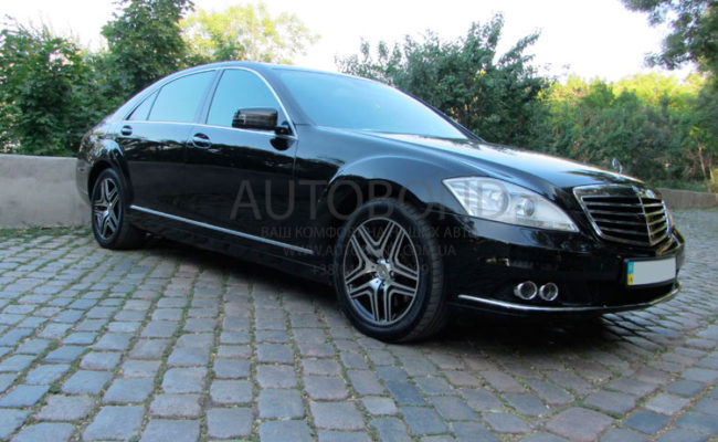 Mercedes_Benz_221_black_0095_7