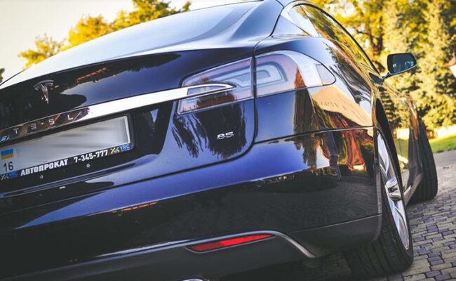 Tesla S85 4-1