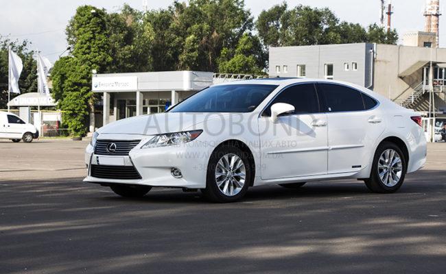 Lexus_white_6381_5